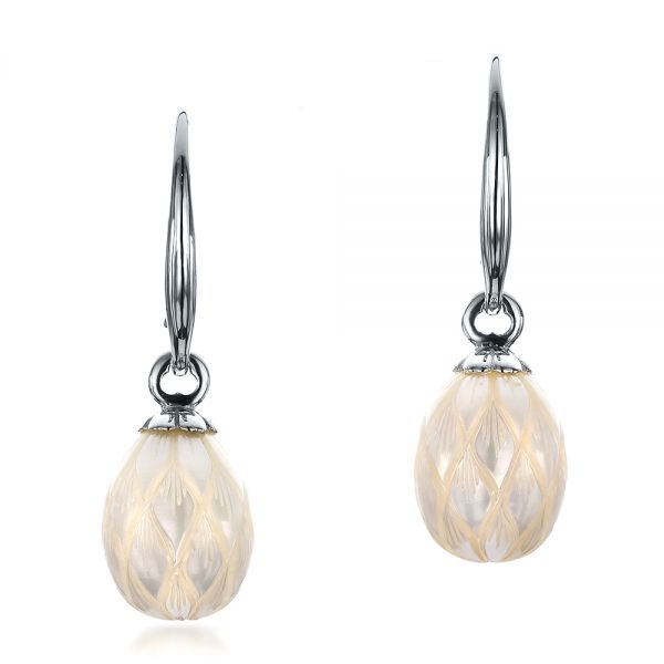 Carved Fresh White Pearl Earrings - Image