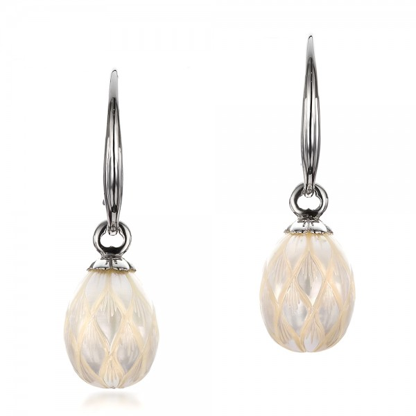 Carved Fresh White Pearl Earrings