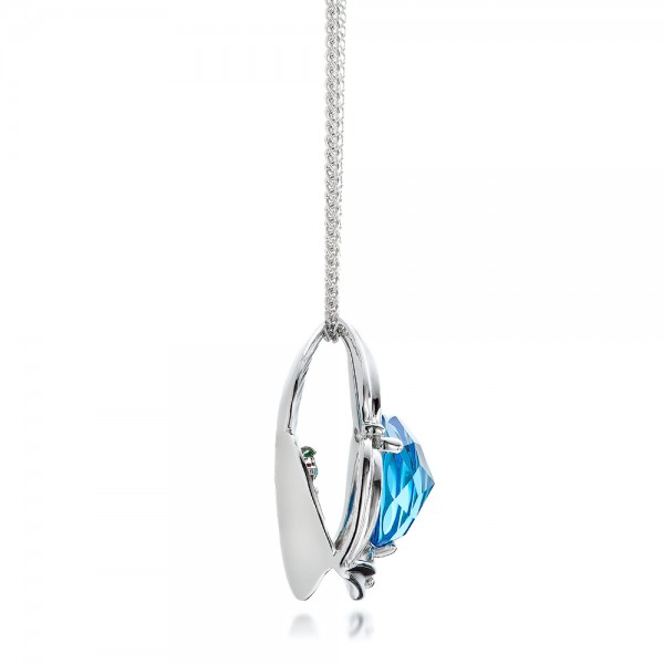 Blue Topaz and White Gold Pendant - Side View